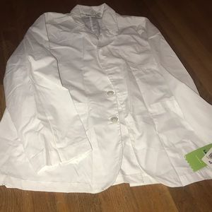 NWT white lab coat. Size 48.